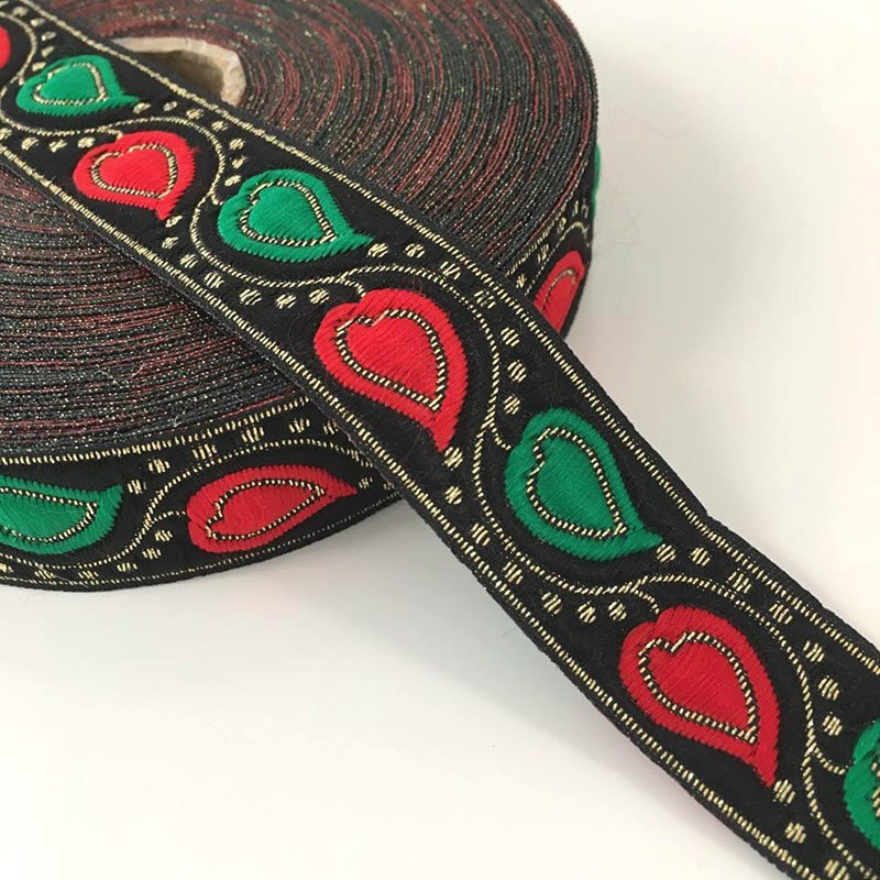 Jacquard Leaves black red