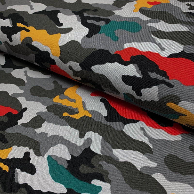Úplet Camouflage grey red yellow